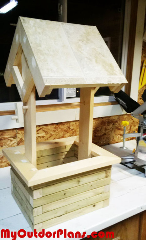 DIY Wishing Well Planter | MyOutdoorPlans | Free Woodworking Plans and Projects, DIY Shed, Wooden Playhouse, Pergola, Bbq | Garden Plans | Scoop.it