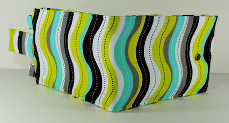 Women's Wallet Organizer with Card Slots - 2 in 1 - Gray, Green and Blue Waves | Tramp Lee Designs Bags | Scoop.it