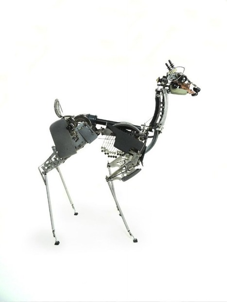 Incredibly Lifelike Sculptures Built With Old Typewriter Parts | Culture and Fun - Art | Scoop.it