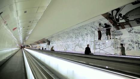 Reportage vidéo : La fresque de Joe Sacco « Bataille de la Somme 1916 » dans le couloir de la station Montparnasse-Bienvenüe | La Grande Guerre | Scoop.it