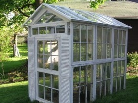 Greenhouse from old windows | Upcycled Garden Style | Scoop.it