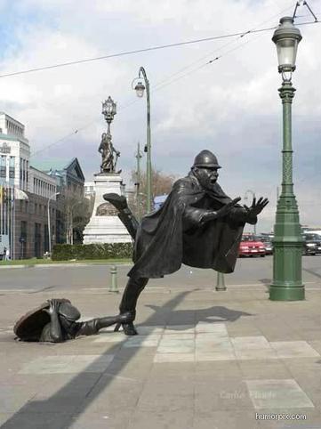 Sculpture by Tom Frantzen outside the Communauté Française building in Brussels, Belgium.   Travels   Scoop.it