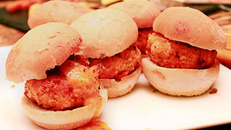 Lobster Cakes Make Delicious and Crunchy Party Snacks | Its All About Seafood | Scoop.it