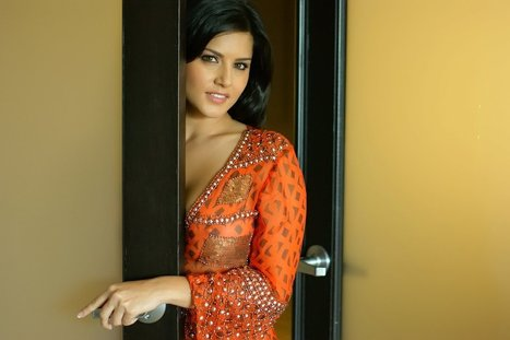 Sunny Leone Behind Closed Doors (5) - Daily Images 4 You | Daily SMS 4 U | Scoop.it