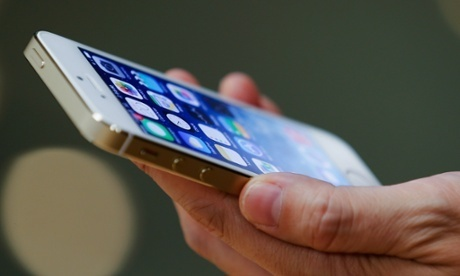 Siri flaw leaves Apple playing 'whack-a-mole' with iOS 7 security bugs | Apple's iPhone 5C and 5S | Scoop.it
