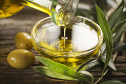 Ingredient in Olive Oil Looks Promising in the Fight Against Cancer | Shrewd Foods | Scoop.it