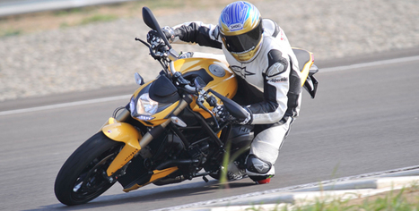 Superbike.co.uk   The 2012 Ducati Streetfighter 848 is looking for trouble, but in a good way.   Ductalk Ducati News   Scoop.it