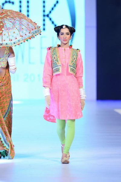 Latest Pakistani Dresses By Kayseria At PSFW 2014 | Globalemag | Twist Hairstyles Trends for Girls | Scoop.it