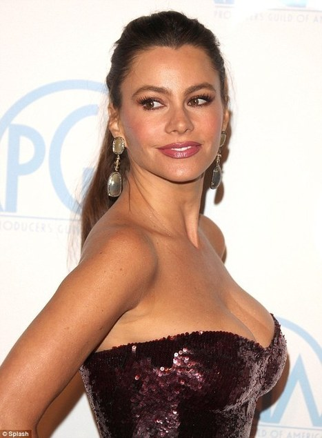 FASHION! Sofia Vergara and Jessica Chastain Wow Producers Guild Awards   TonyPotts   Scoop.it