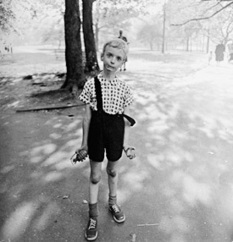 Diane Arbus / Biography & Images - Atget Photography.com / Books | Multimodality, photography, image | Scoop.it