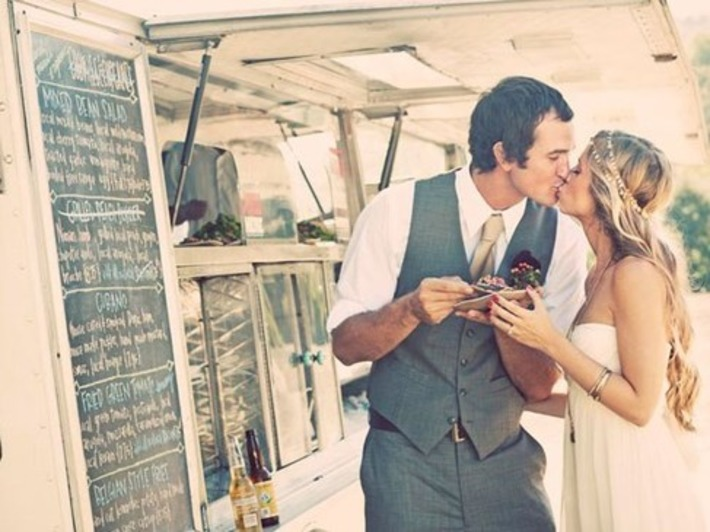 Surprise your wedding guests with a food truck! | Wedding Ideas | Scoop.it