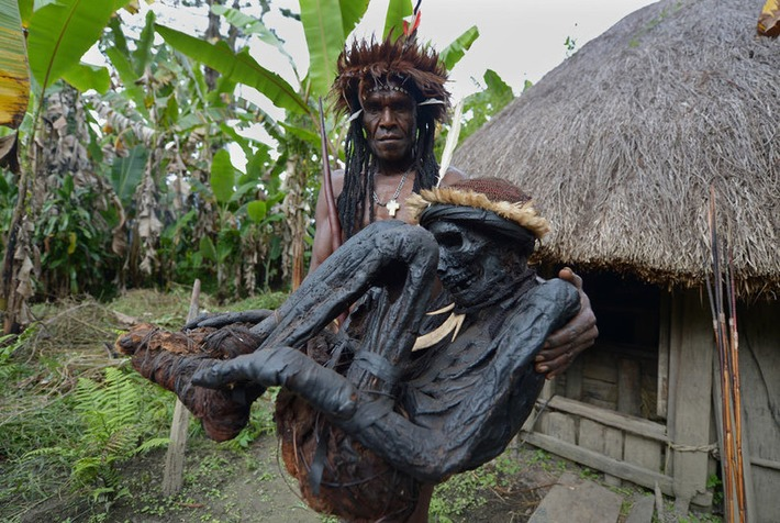 Papuan tribe preserves ancient rite of mummification | Art Daily | Kiosque du monde : Océanie | Scoop.it