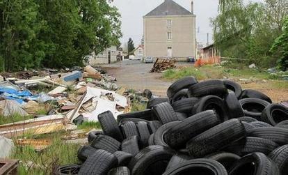 Rue A.-Fradin : encore un dépôt d'ordures sauvage #Vienne | ChâtelleraultActu | Scoop.it