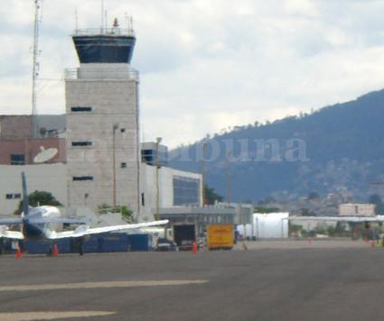Bajo presión, Soptravi busca mejorar la seguridad aérea - La Tribuna.hn   Seguridad Aeronautica   Scoop.it