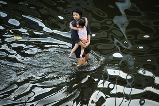 Thailand flood reaches Bangkok | Photojournalism - Articles and videos | Scoop.it