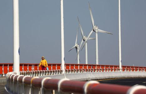 China Narrows Gap to U.S. in EY Renewable-Energy Ranking - Bloomberg | Energy | Scoop.it