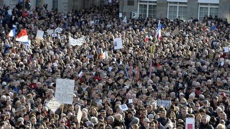 Charlie hebdo. 30 000 personnes rassemblées à Saint-Brieuc | Saint-Brieuc Entreprises: l'actualité | Scoop.it