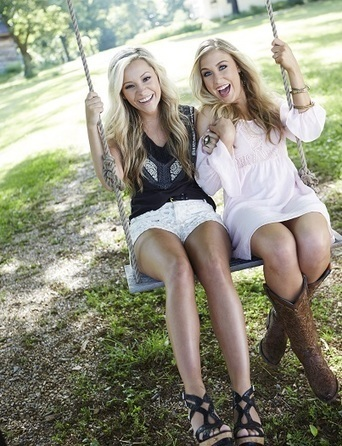 Maddie & Tae and RaeLynn Name Their Idols   Country Music Today   Scoop.it