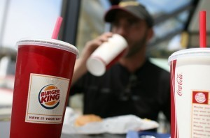 NYC Proposed Ban On Large Sugary Drinks Drawing Mixed Reaction From NYers - CBS New York | Food issues | Scoop.it