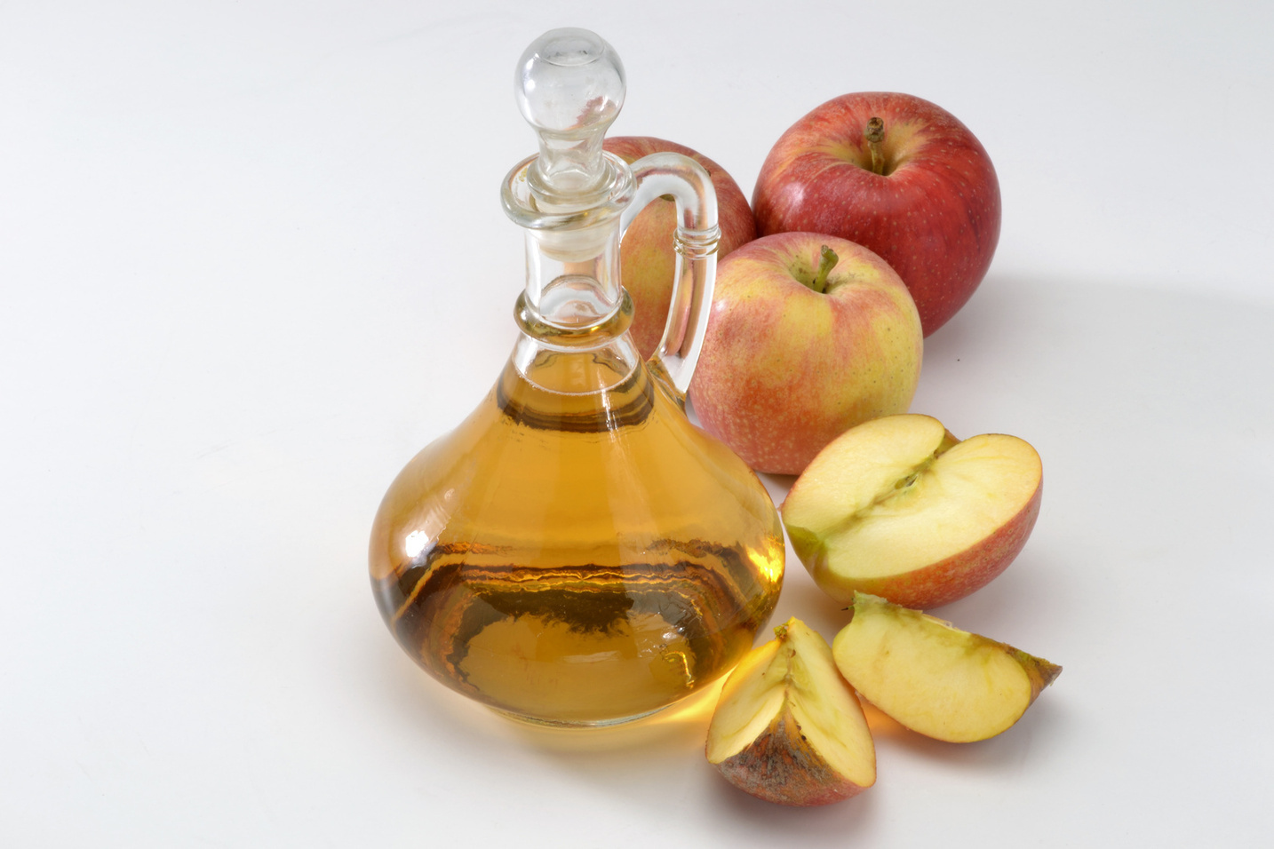 Health Benefits of Apple Cider Vinegar & How to Make You Own