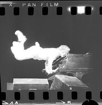 ELTON JOHN 35mm Camera Original Negative IN CONCERT 04-13-1971 #006 @eltonjohndotcom | Keith Russell Collections | Scoop.it