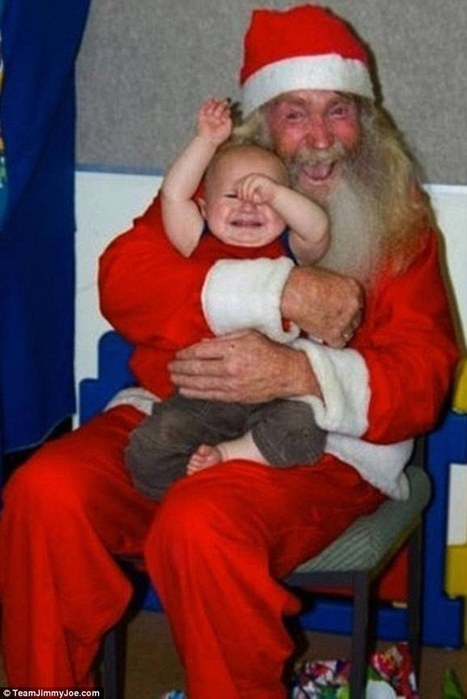 Ho ho ARGH! Funny photos capture the moment kids meet scary Santas | Vloasis awesome sauce | Scoop.it