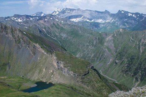 Lac de Catchet vu depuis le pic de Cuneille le 23 juillet 2013 - Françoise Frances's Photos | Facebook | Vallée d'Aure - Pyrénées | Scoop.it