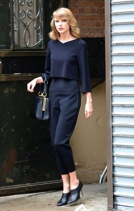 Best Of Pinterest Images: Taylor Swift wearing a chic black getup and carrying a D&G handbag | Celebrities Fashion | Scoop.it