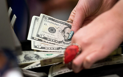 Median wage falls to lowest level since 1998 | Al Jazeera America | Race to Stagnation | Scoop.it