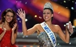 Miss France 2013 : Marine Lorphelin et les enfants de l'Assistance | Rhit Genealogie | Scoop.it