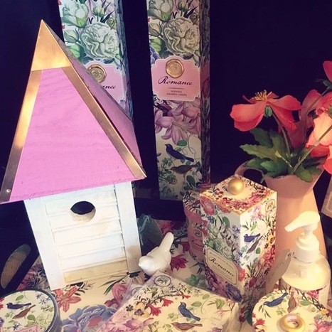 A pink & sweet display with the Heartwood Gatehouse @ Birds Eye View Gardenshoppe, Yuba City, CA!! #birdhousespotted #heartwood | Heartwood | Scoop.it