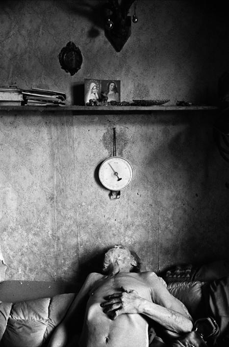 Under the skin   Photographer: Maciej Pisuk   BLACK AND WHITE   Scoop.it