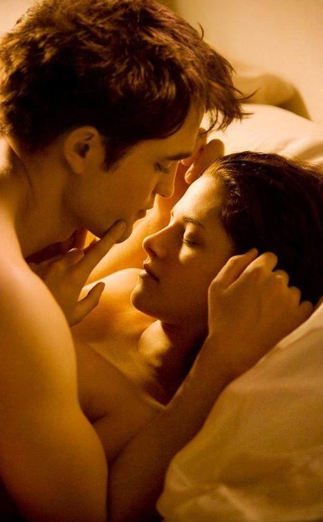 Robert Pattinson and Kristen Stewart Had Awkward Vampire Sex | For Lovers of Paranormal Romance | Scoop.it