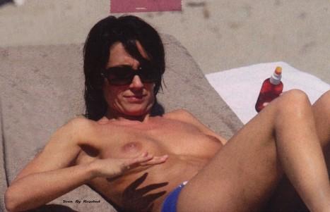 Virginie Guilhaume seins nus à la plage - photos   Radio Planète-Eléa   Scoop.it