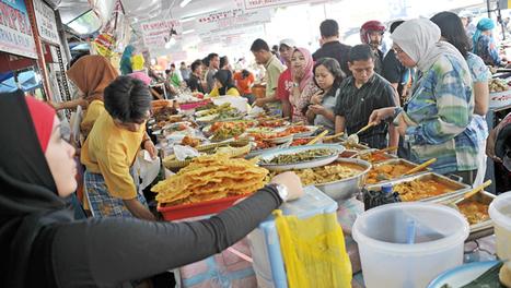 Jakarta's Favorite Street Feast - Jakarta Globe | Benhil - Wet market | Scoop.it