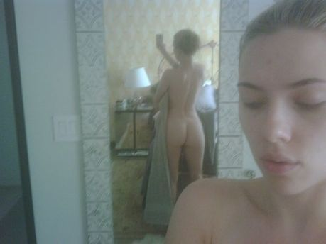 Scarlet Johansson's Nude Phone Pictures | Indian escorts in Gurgaon | Scoop.it