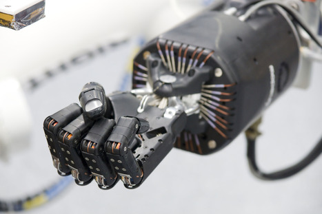 On Youtube: A collection of home made robot arms! | HOT NEWS | Scoop.it