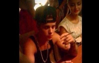 De nuevo en el escándalo, Justin es captado fumando marihuana | thc barcelona | Scoop.it
