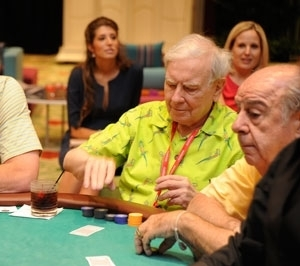 Inside Warren Buffett's Private Poker Game | Forbes | Hit by the deck | Scoop.it
