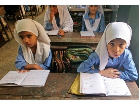 Bringing change: Lyari girls say education is the only way up – The Express Tribune | Peace Cord | Scoop.it