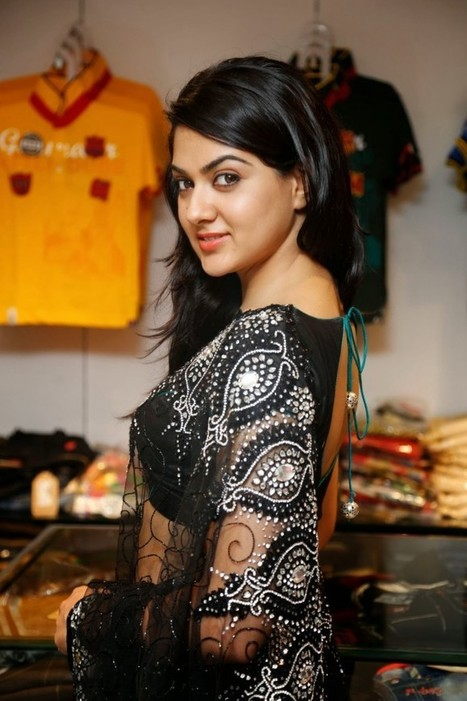Sakshi chowdary in Black Netted Party Wear Saree for women 2015 at Kalamandir IndianRamp.com, Actress, Indian Fashion, Tollywood | Indian Fashion Updates | Scoop.it