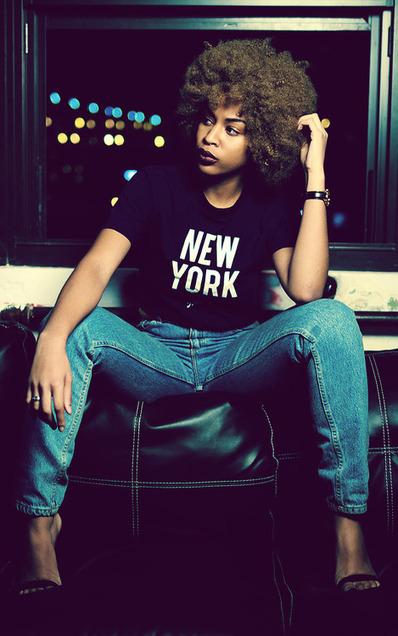 The best of ebony girls on the Net (Ebony girl wears tee-shirt and jeans) | Ebony girls Fashion and Hair | Scoop.it