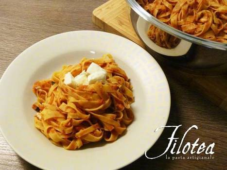 Fettuccine with meat sauce of Mushrooms, Sausage and Mozzarella di bufala   Le Marche and Food   Scoop.it