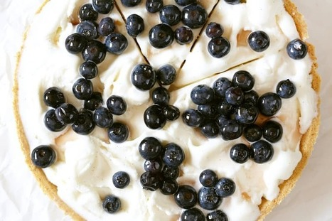 Recipe: Frozen Yogurt Pie with Boozy Blueberries — Fast & Fancy 5-Ingredient Dinners | ♨ Family & Food ♨ | Scoop.it