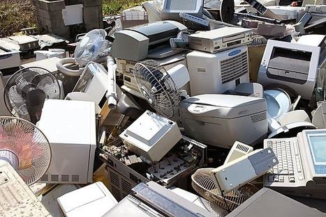 Les déchets d'équipements électriques et électroniques en Afrique : désastre ou opportunité ?   Intervalles   Scoop.it