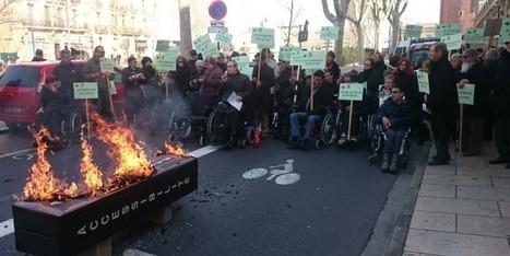 Tous dans les rues pour défendre l'accessibilité - Faire Face   En torno a la silla   Scoop.it