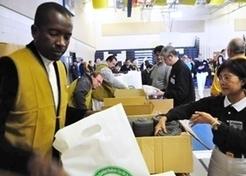 是榮耀 阿難市長愛穿背心 | 加國慈濟志工在紐約賑災2012-11-15~19 | Scoop.it
