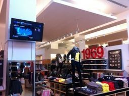 Gap pilots in-store DJ system, lets customers pick and play music | Radio 2.0 (En & Fr) | Scoop.it