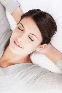 Traiter l'insomnie avec des huiles essentielles | Huiles essentielles HE | Scoop.it