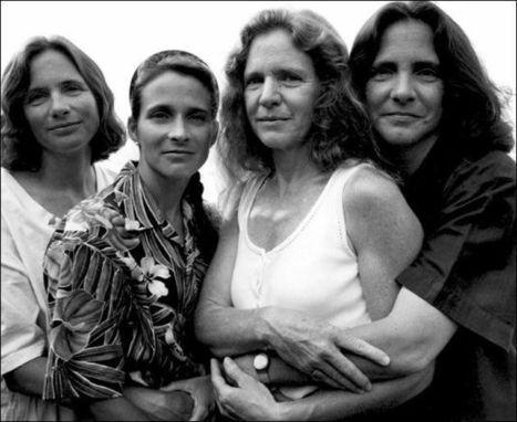 Quatre soeurs photographiées chaque année pendant 40 ans | world of Photo and vidéo | Scoop.it